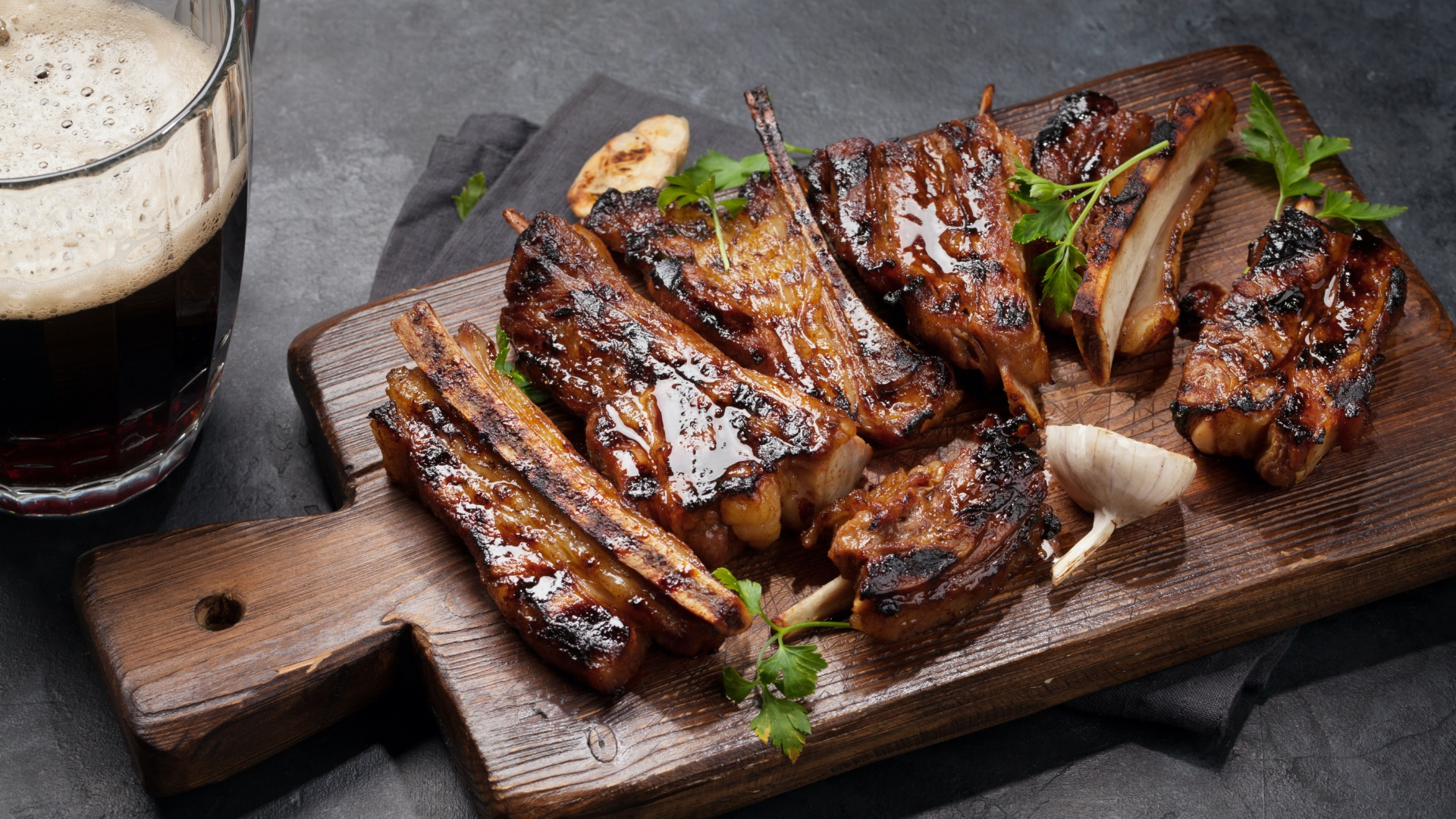 Costillas con salsa barbecue de whisky y café