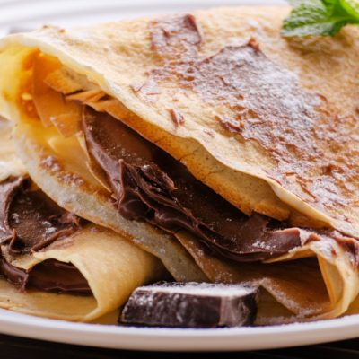 Crepes con Manjar y Chocolate